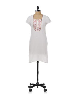 White CottonKurta With Embroidered Neckline - Aurelia