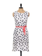 WHITE FLORAL KURTI WITH PINK BELT - Popnetic