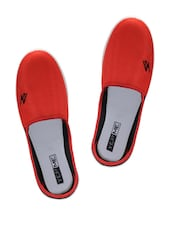 Red And Black Canvas Shoes - Yepme