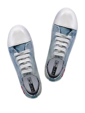 Blue & White Casual Shoes - Yepme