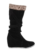 Black Fashionable Boots For Winters - Stylistry