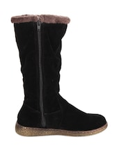 Black Stylish Knee High Boots With Fur Embellishment - Stylistry