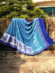 Stylish Georgette Saree In Shades Of Blue, With Matching Blouse Piece - Urvashi's