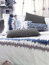White And Blue Printed Bed Linen Set - Maishaa