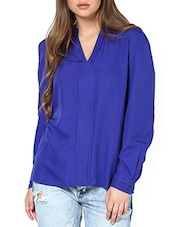 Dual Pleat Electric Blue V-Neck Blouse - Pera Doce