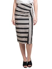 Black And Cream Stripe Print Skirt - By