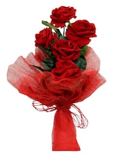 Perfect Valentine Gift Flower Arrangement - Gifts By Meeta