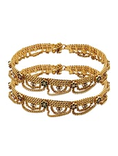 Pair Of Yellow Gold Plated Anklet With Floral Design - Voylla