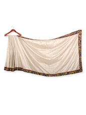 Solid Off-white Saree With Floral Border - URBAN PARI