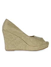 Textured Golden Peep Toe Wedges - Flat N Heels