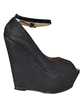 Textured Black Peep Toe Wedges With Strap - Flat N Heels