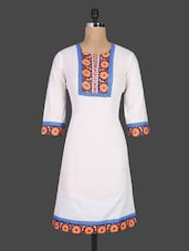 Printed Neck & Border Quarter Sleeves Cotton Kurta - DESHWALI