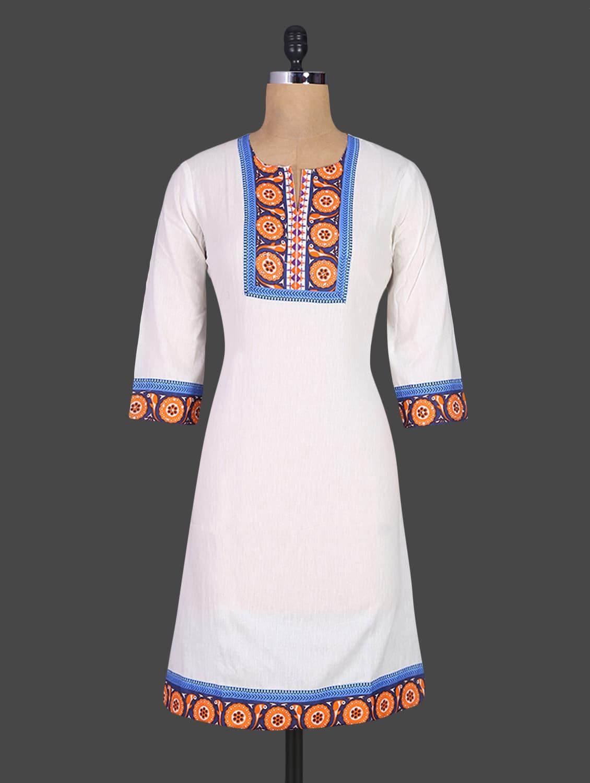 Printed Neck & Border Quarter Sleeves Cotton Kurta - DESHWALI