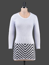 Chevron Pattern Round Neck Grey Top - By