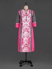 Pink Printed Cotton Quarter Sleeves Kurta - SHREE
