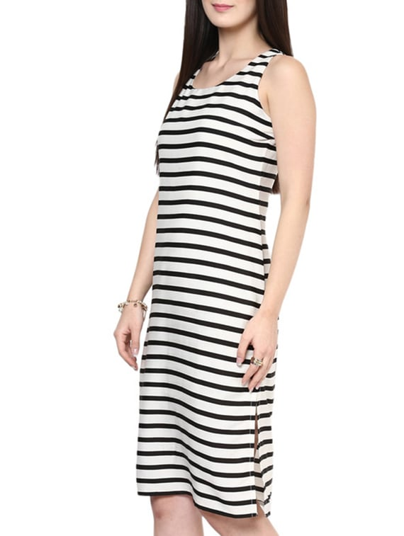 d95c52fdd83 Buy Black And White Striped Shift Dress for Women from Zima Leto for ₹635  at 47% off