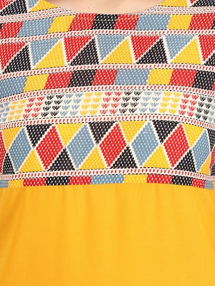 yellow cotton straight kurta - 12149699 - Standard Image - 4
