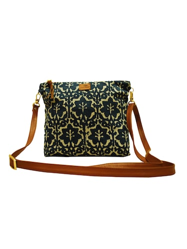 5467a24bca77 Bags for Girls- Buy Ladies Bags Online