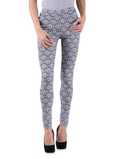 Navy Blue And White Polyviscose Lycra Printed Jeggings - By