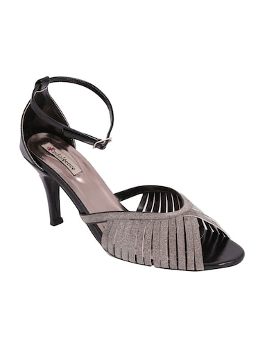 Heels For Women - Upto 70% Off  cdc28e910e38
