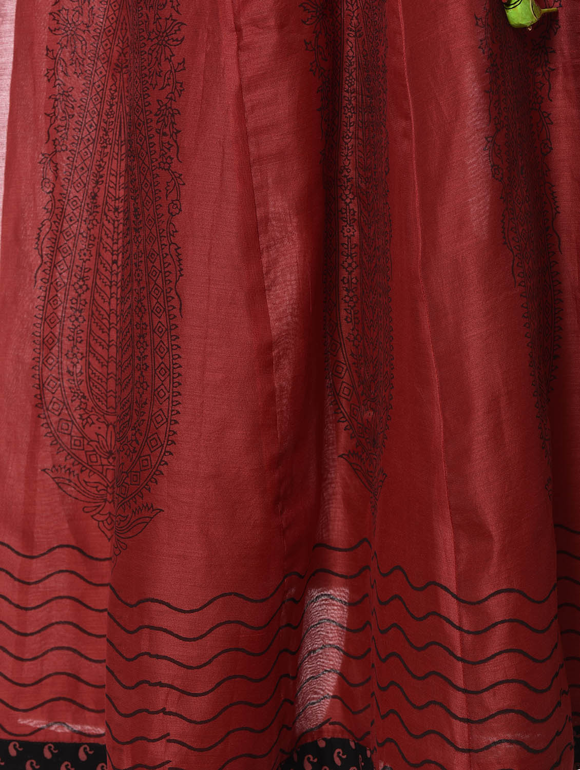 0a53c409c621 ... Red and black chanderi silk skirt and top set - 12999805 - Zoom Image -  4