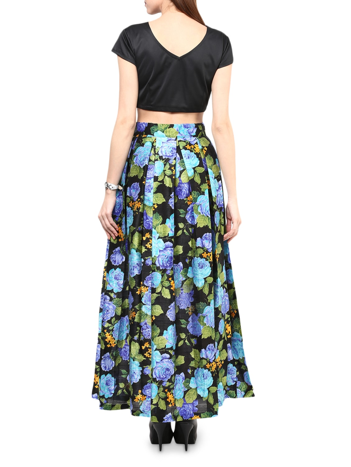0ede4f4c84e324 Buy Black Crop Top And Skirt Set for Women from Chitwan Mohan for ₹1665 at  26% off