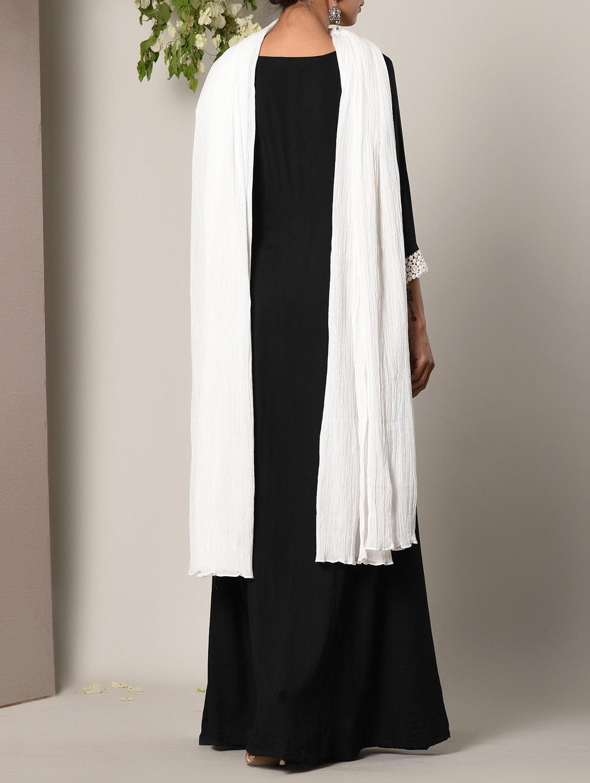 f601e7ac2f ... Black layered maxi dress and dupatta set - 13266758 - Zoom Image - 4