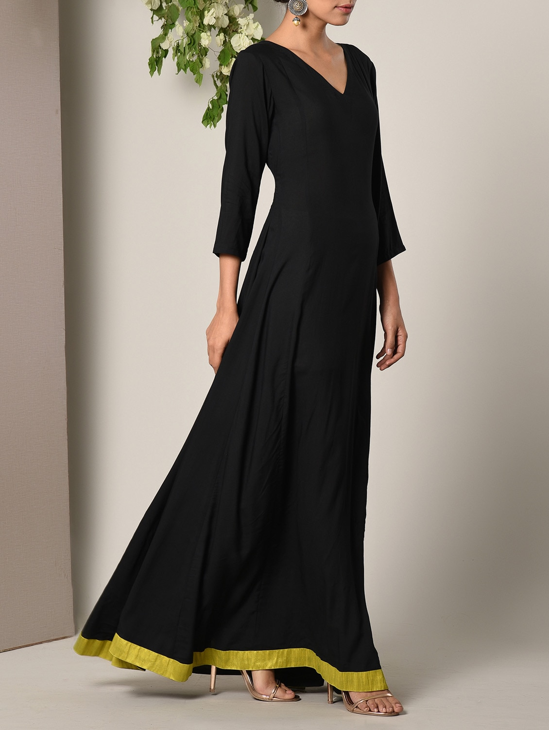 304bf6bb5ab6 Buy Black Solid Maxi Dress for Women from Truebrowns for ₹2999 at 0% off |  2019 Limeroad.com