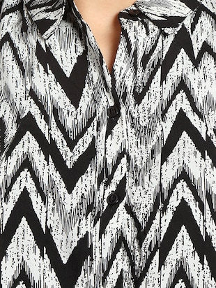 black chevron printed georgette regular shirt - 13269641 - Standard Image - 4