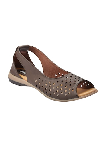 464a66a7dcc0 Footwear for Women - Upto 70% Off