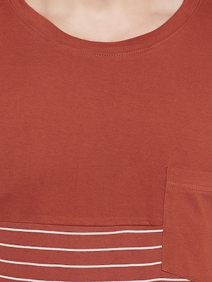 orange cotton pocket  t-shirt - 14485638 - Standard Image - 4