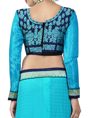 blue georgette bordered saree with blouse - 14506431 - Standard Image - 4