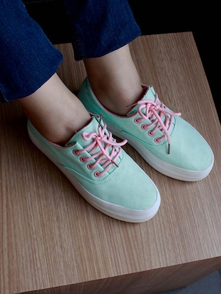Womens Classic Shoes Fries Pattern Actions Shoes
