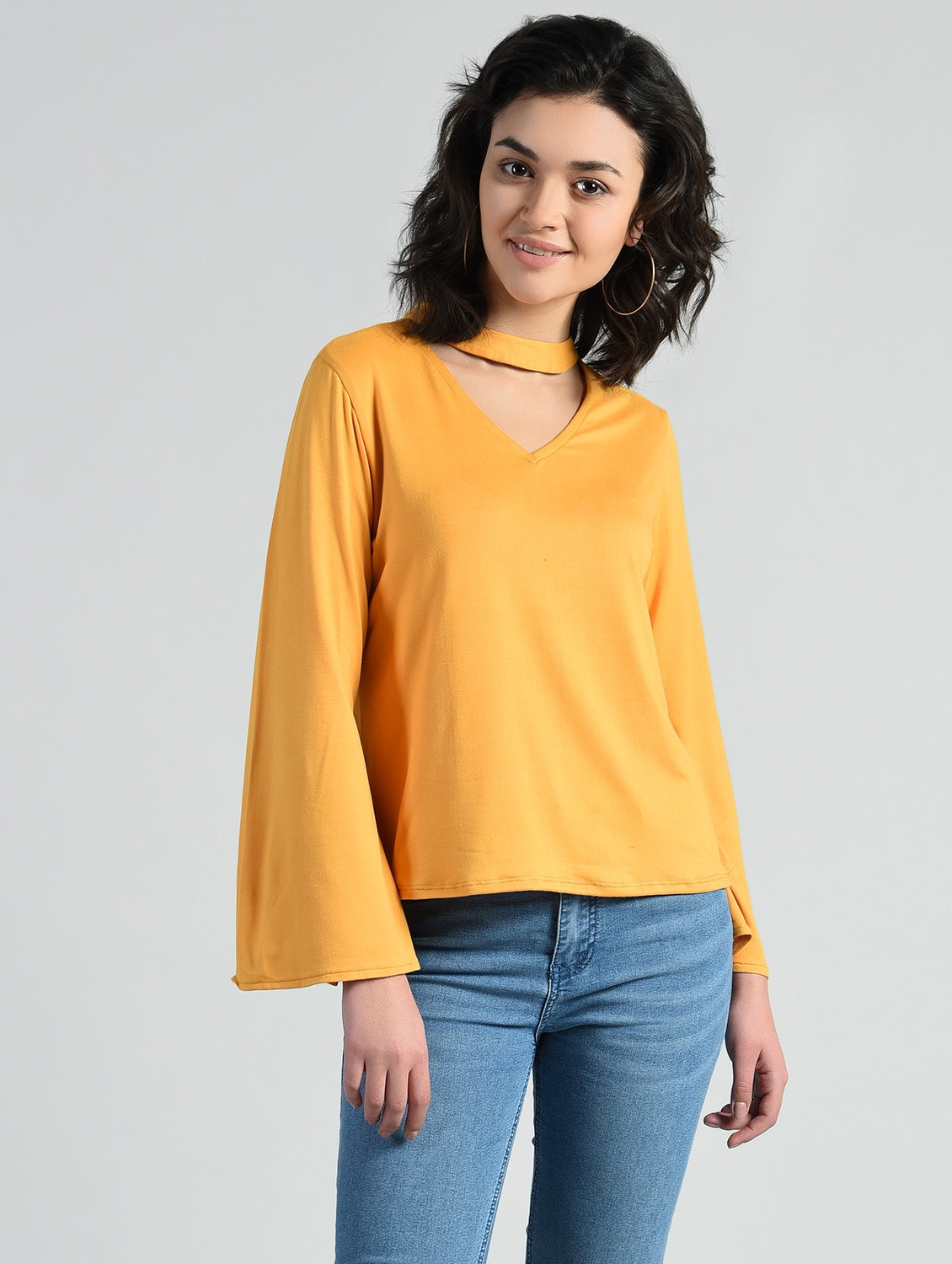 bcac3877751be Buy Choker Neck Bell Sleeve Top for Women from Aara for ₹529 at 47% off