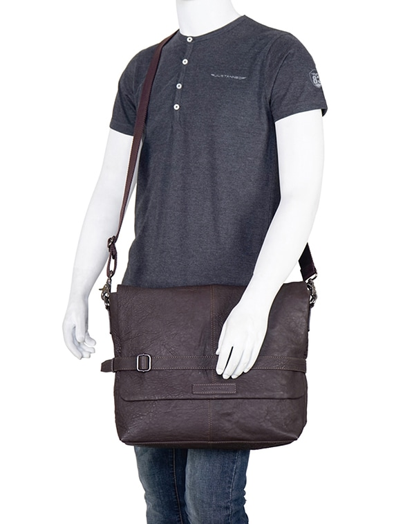 1848909b42 Buy Brown Leather Messenger Bag for Men from Justanned for ₹4224 at 68% off