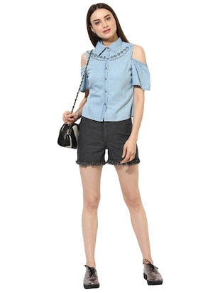 light blue denim cold shoulder shirt - 15036111 - Standard Image - 4