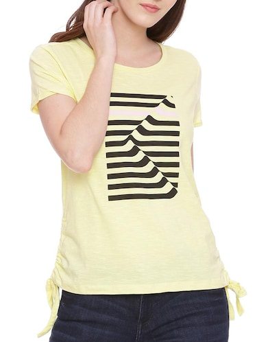 95b847f698 T Shirts for Women - Upto 70% Off | Buy Womens Designer Printed T ...