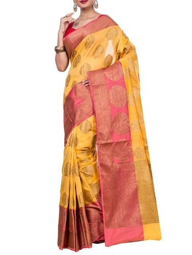 contrast border zari woven saree with blouse - 15398277 - Standard Image - 1
