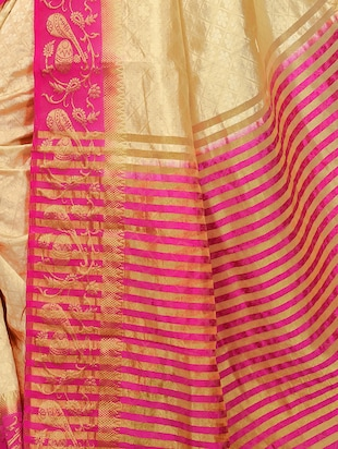 Contrast bordered tussar silk saree with blouse - 15413838 - Standard Image - 4