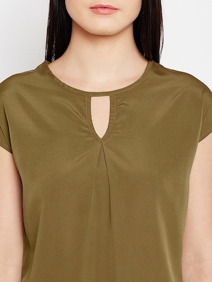 keyhole neck button back top - 15415743 - Standard Image - 4