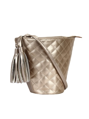 metallic leatherette (pu) regular sling bag - 15421022 - Standard Image - 4