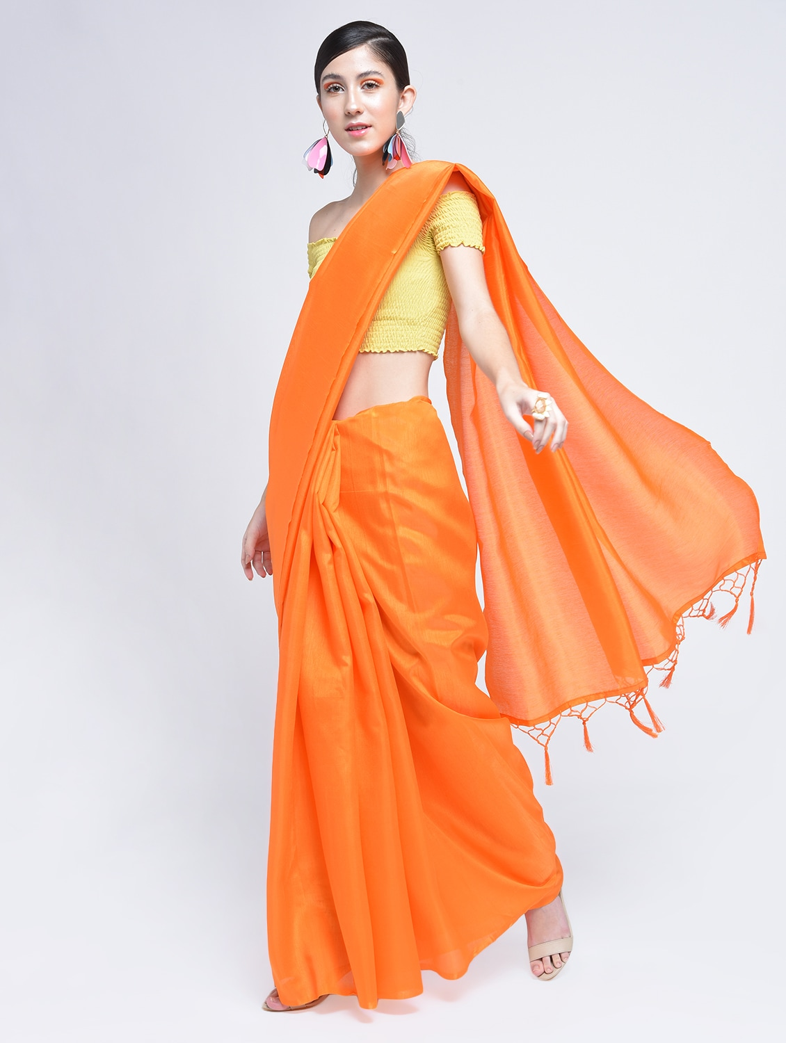 9a888d6aef0e9 Buy Tassels Pallu Plain Orange Saree With Blouse for Women from Aaena for ₹ 874 at 0% off