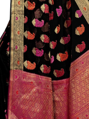 Paisley maheshwari saree with blouse - 15497534 - Standard Image - 4
