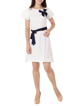 Contrast bow detail belted dress - 15505911 - Standard Image - 4