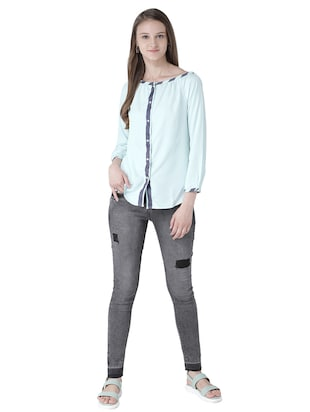 contrast detail button down top - 15519453 - Standard Image - 4