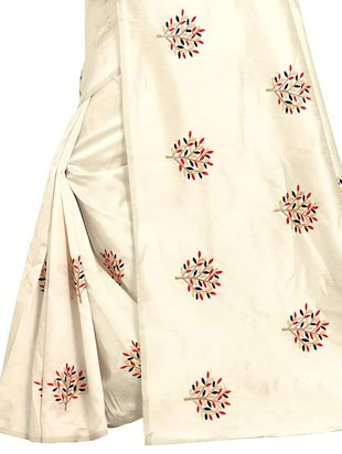 Embroidered Ivory Saree with blouse - 15519494 - Standard Image - 4