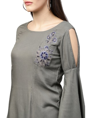 bell sleeved embroidered tunic - 15559898 - Standard Image - 4