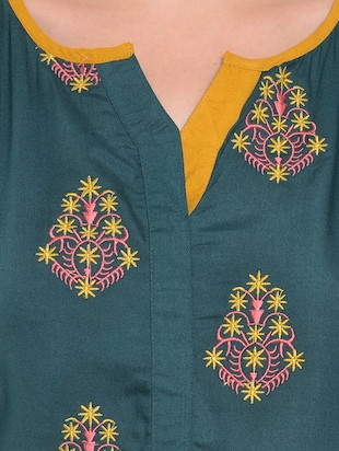 Teal embroidered straight kurta - 15612051 - Standard Image - 4