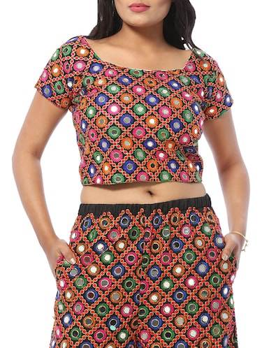 e6518c6031b54f Buy Contrast Collared Checkered Crop Top for Women from Raaika for ...