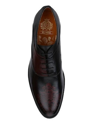 black Leather lace-up oxfords - 15613406 - Standard Image - 4